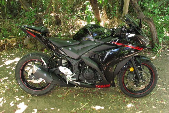 Yamaha R3 2016 negra