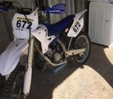 Yamaha yz 125 por apuró!!
