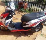 Moto Honda new elite