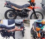 Moto Um DSR 200