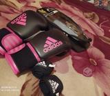guantes de boxeo y vendas