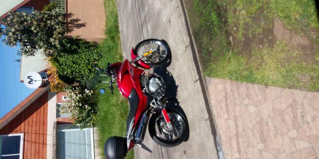 Moto Honda Falcón 2015 20.000 km