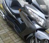 excelente moto para viajes largos